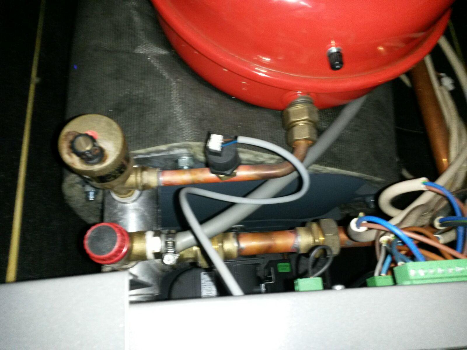 Instalaciones y venta mantenimiento calderas 100kw colegio for Reparacion calderas gasoil
