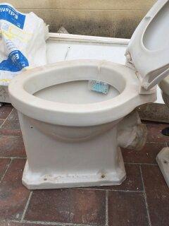 Instalaciones y venta tapa wc concreto de roca instaltec for Marcas de wc